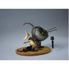 Sculptuur Gehelmd Vogelmonster